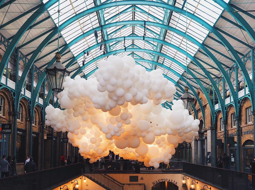Heartbeat balloons installation by Charles Pétillon, Covent Garden in London. 2015.