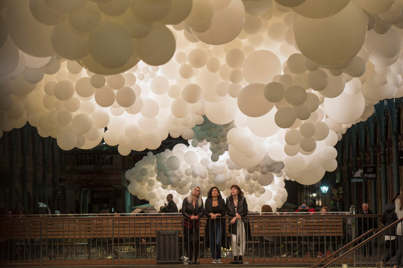 "Observing Charles Pétillon ""Heartbeat balloons invasion"". Covent Garden, London. 2015."